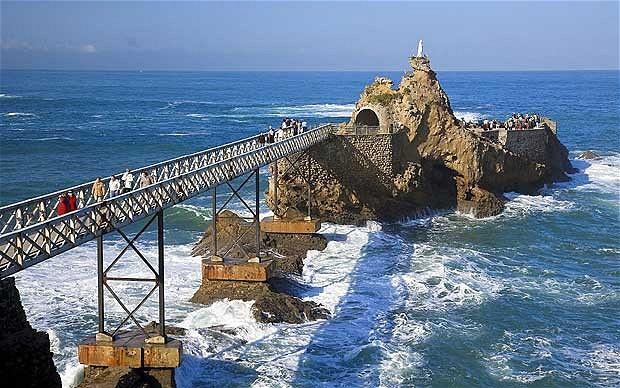 biarritz-pier_1809855b