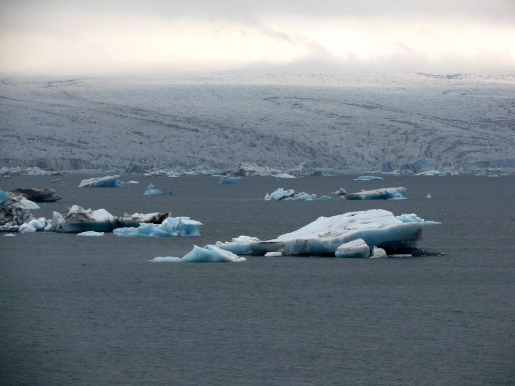GJokulsarlon glacier laggon on her way to vagnstadir Hostel