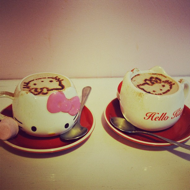 Hot Chocolate time at Hello Kitty Cafe with Amanda