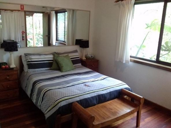 port stephens hostel