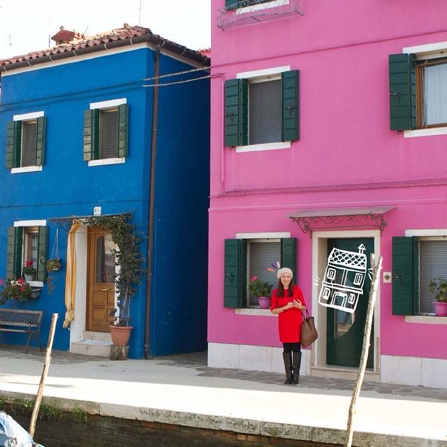Tessa ourside building in Burana Italy